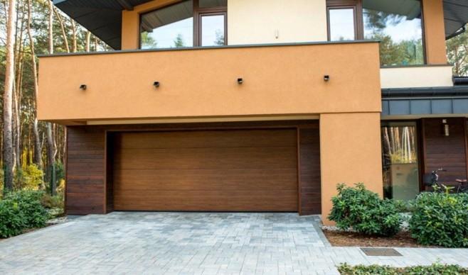 Tania brama garażowa może drogo kosztować