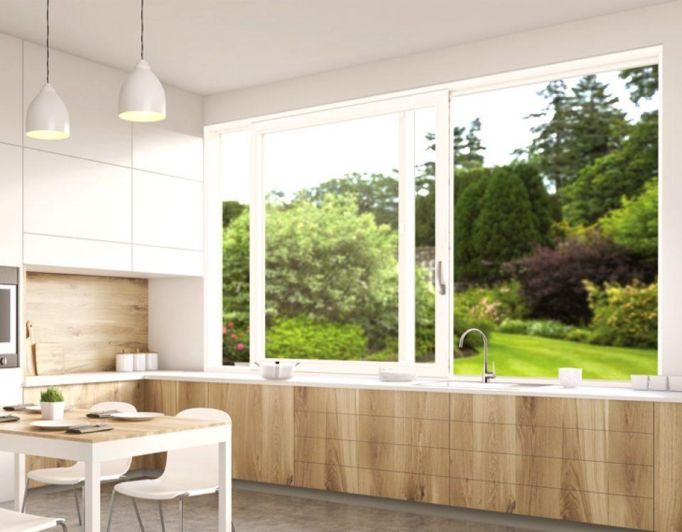 Przesuwne okno kuchenne z okuciem firmy ROTO