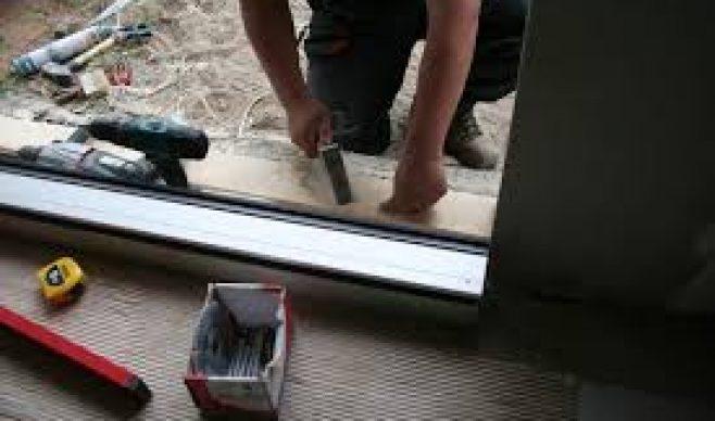Montaż drzwi zewnętrznych zimą